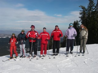 Skiing 2007 Group Edge Of World
