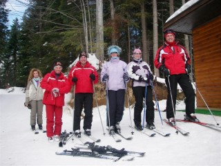 Skiing 2007 Group Outside Loo