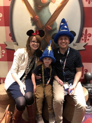 Disney Land Paris Sunday Oct 2019 Family Inside Chez Remy