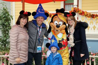 Disney Land Paris Tuesday Oct 2019 Family With Max
