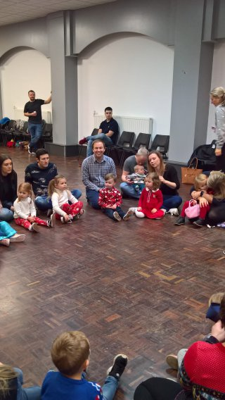 Ethan And I Pass The Parcel Little Movers Christmas Party Dec 2018