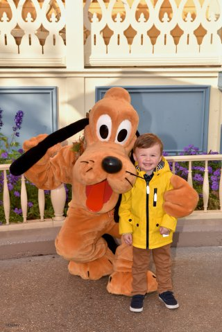 Ethan And Pluto Thursday Disneyland Paris Oct 2018