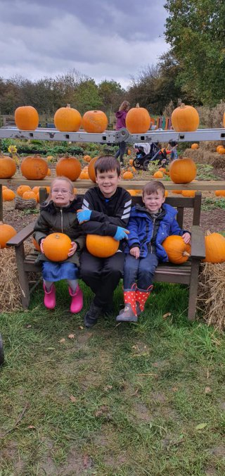 Ethan Dylan Elisa Pumpkin Picking West Lodge Farm Park Oct 2020