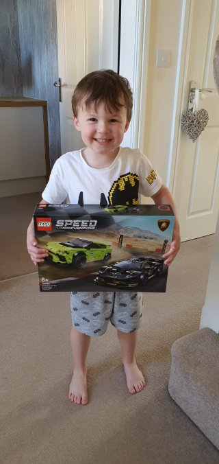 Ethan Excited Box Building Lego Lamborghini Set Aug 2020