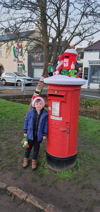 Ethan Postbox Cosby Christmas Knitting Bomb Dec 2020