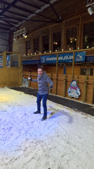 Me Snowball Tamworth Snow Dome Easter Egg Hunt April 2019