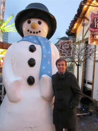 Snowman and I Shopping Day Dec 2011