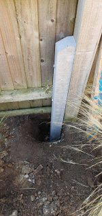 Hole Dug Concrete Fence Posts Sept 2020